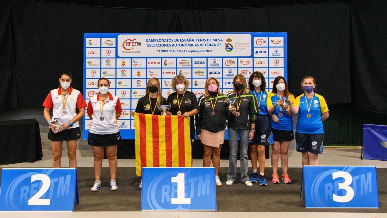 Las leonesas Susana Ablanedo y Cristina Fernández, subcampeonas de España de Veteranas de tenis de mesa